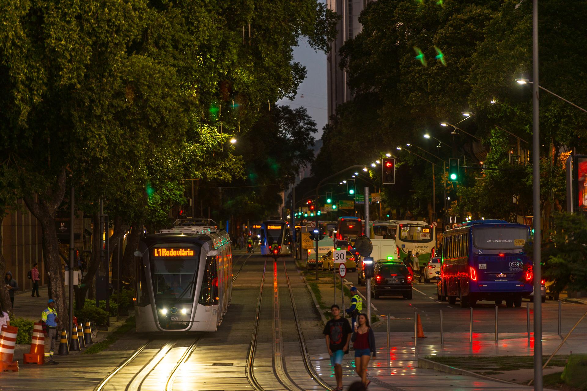 02/06/2017_VLT.Rio. locação: Praça Mauá. Parada dos Navios e Parada dos Museus.